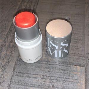 5/$25 Kiss & Smink The Everything-Santorini